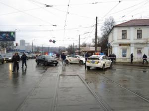 Συναγερμός στην Ουκρανία! Άνδρας κρατά ομήρους σε ταχυδρομείο