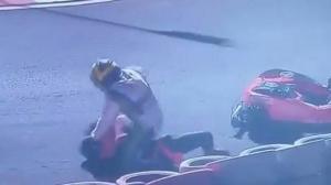 Άγριο ξύλο μεταξύ οδηγών σε αγώνα καρτ, όπου έτρεχαν και αστέρες της Formula 1 [vid]