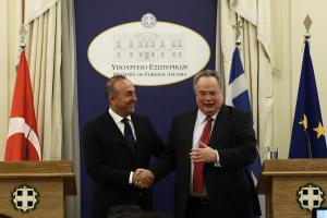 """""""Οι δημοκρατίες δεν απειλούν, ούτε απειλούνται""""! Το ελληνικό ΥΠΕΞ απαντά στην Τουρκία για τον Τούρκο αξιωματικό"""