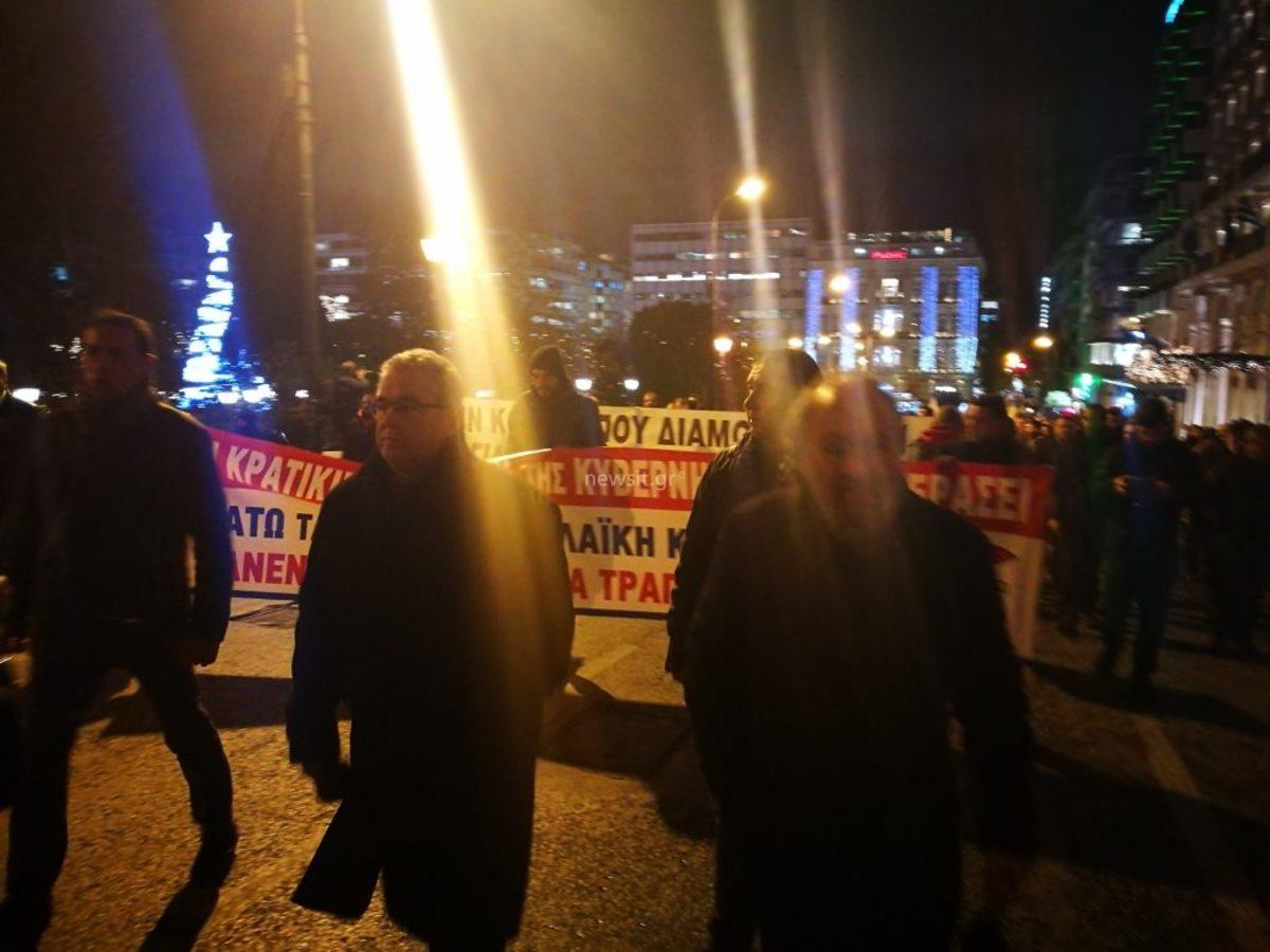 Προπηλακισμό του Δημήτρη Κουτσούμπα από τα ΜΑΤ καταγγέλει το ΚΚΕ