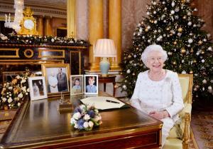 Βασίλισσα Ελισάβετ: Φόρος τιμής στα θύματα των τρομοκρατών