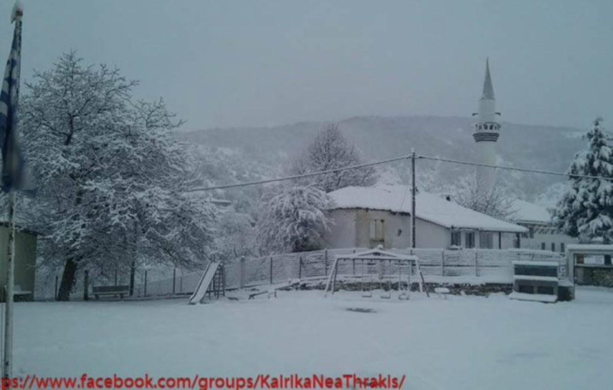 Ροδόπη: Πυκνό χιόνι και κλειστά σχολεία – Σε ποιους δρόμους χρειάζονται αντιολισθητικές αλυσίδες [pics]
