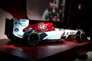 """Με αυτή την """"εμφάνιση"""" θα τρέξει η Alfa Romeo στη Formula 1 [pics]"""