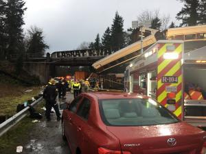 Αιματηρή σύγκρουση τρένου με λεωφορείο στην Αυστρία – 1 νεκρός, 11 τραυματίες