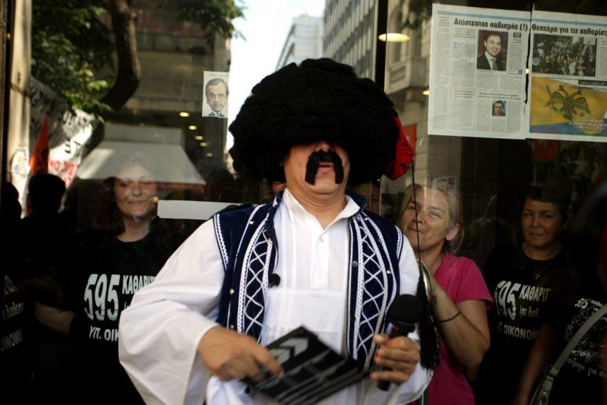 """«Τσολιάς» στο Newsit: «Η """"Ελληνοφρένεια"""" δεν κόπηκε, λογοκρίθηκε!"""