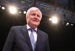 Τελειώνει από πρωθυπουργός της Βαυαρίας ο Ζεεχόφερ – Εξελέγη και πάλι πρόεδρος της Χριστιανοκοινωνικής Ένωσης