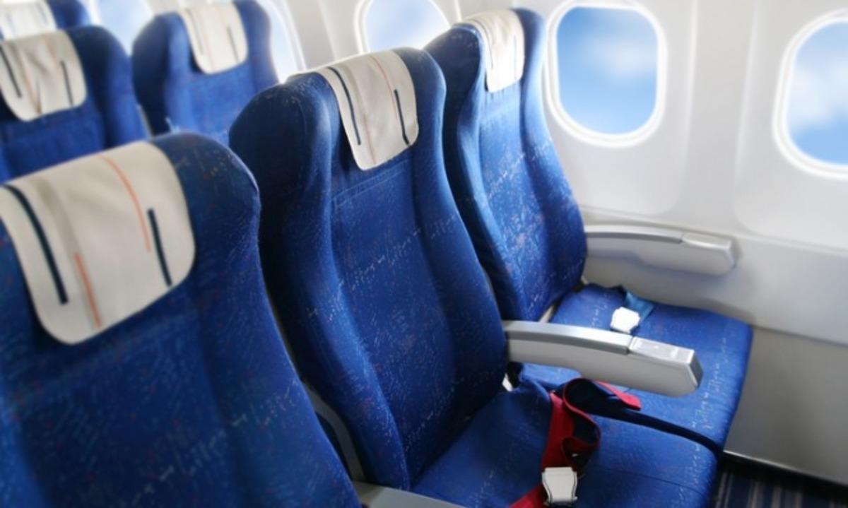 Όποιοι επιλέγουν αυτήν τη θέση στο αεροπλάνο είναι εγωιστές, λένε οι ψυχολόγοι! | Newsit.gr