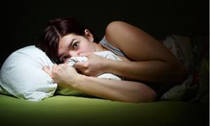 Αν σας συμβαίνει αυτό στον ύπνο μπορεί να έχετε κατάθλιψη