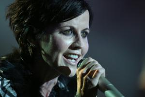Dolores O'Riordan: Από μανία και διπολική διαταραχή υπέφερε η τραγουδίστρια των Cranberries