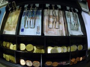 Λάρισα: Του έκαναν το κατάστημα καλοκαιρινό για 5 ευρώ – Αναστάτωση από τις αλλεπάλληλες διαρρήξεις!