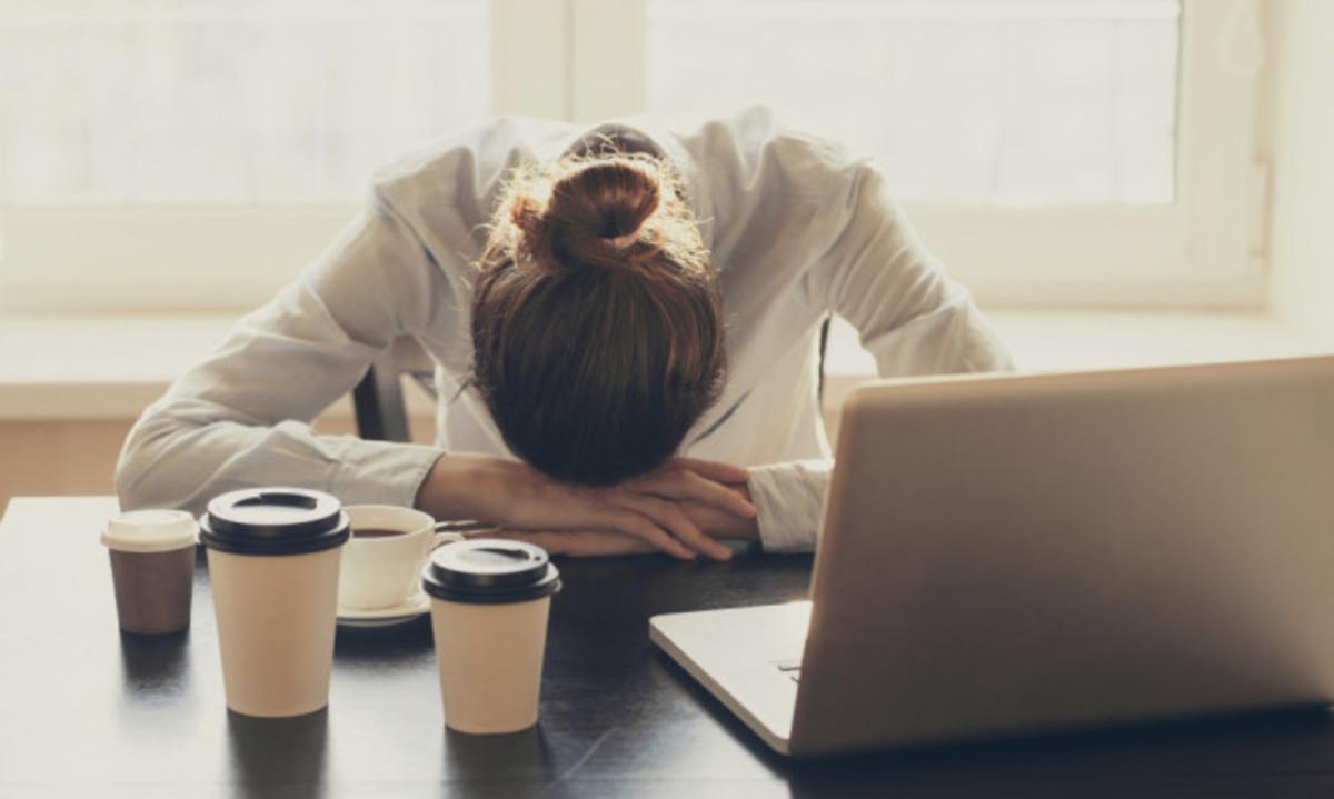 Δέκα πιθανοί λόγοι υγείας που νιώθετε συχνά κούραση όλη την ημέρα – Μην το αγνοείτε! | Newsit.gr
