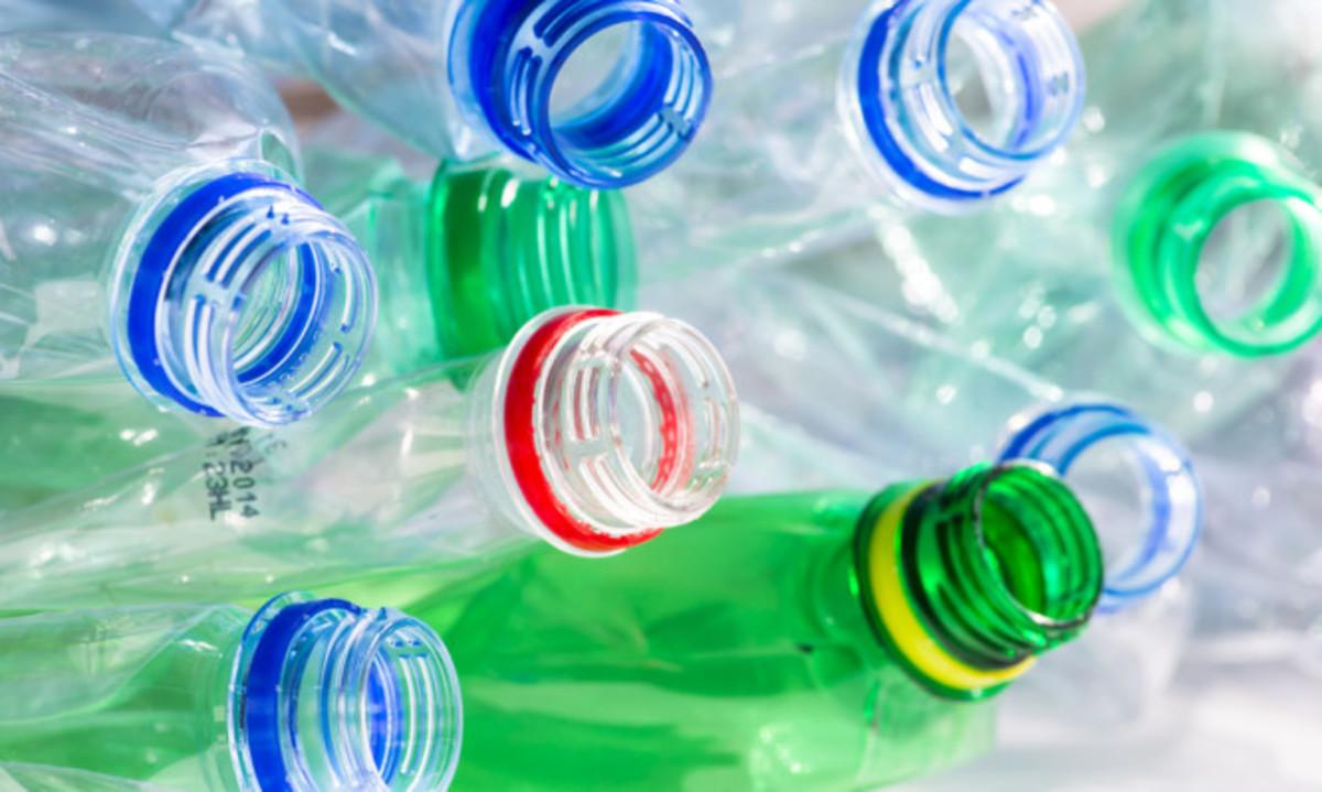 Προσοχή: Μην ξαναχρησιμοποιείτε τα πλαστικά μπουκάλια – Δείτε γιατί | Newsit.gr
