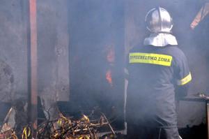 Βόλος: Η φωτιά τους άφησε χωρίς σπίτι και ρούχα – Σε απόγνωση οικογένεια με δύο μικρά παιδιά!