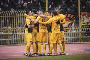 Stoiximan.gr Football League: «Διπλά» για Άρη και Παναχαϊκή