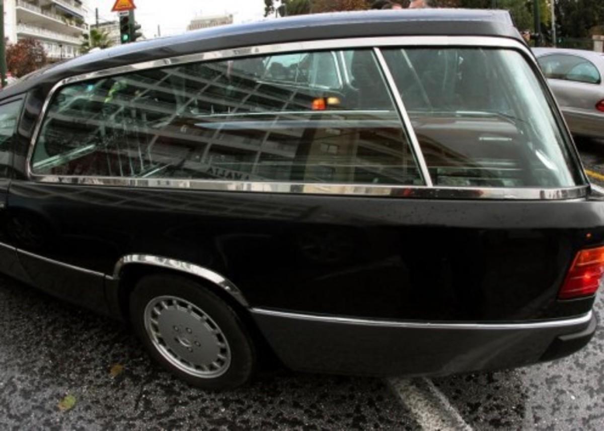 Λακωνία: Η νεκροφόρα και οι εικόνες που ήξεραν λίγοι – «Πάγωσαν» οδηγός και συνοδηγός! | Newsit.gr