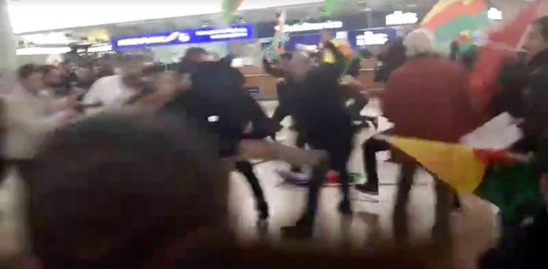 Αννόβερο: Χαμός στο αεροδρόμιο! Καβγάς ανάμεσα σε 180 άτομα [vid] | Newsit.gr