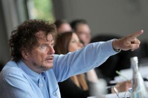Ο Γερμανός Γουαϊνστάιν – Ηθοποιοί κατηγορούν για βιασμό τον σκηνοθέτη Ντίτερ Βέντελ