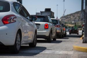 Ανατροπή! Αλλάζουν οι πινακίδες στα ΙΧ αυτοκίνητα μέχρι το τέλος του 2018 λόγω διοδίων!