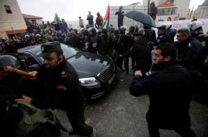 Βηθλεέμ: Επιτέθηκαν στο αυτοκίνητο που μετέφερε τον Πατριάρχη Ιεροσολύμων
