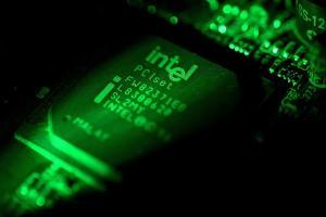 Η Intel ζήτησε συγγνώμη για τα ελαττωματικά «μπαλώματα» ασφαλείας στα τσιπάκια της