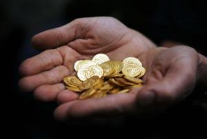 Λαμία: Η γιαγιά έλεγε αλήθεια για τις χρυσές λίρες – Η κρυψώνα και οι εφιαλτικές στιγμές της!