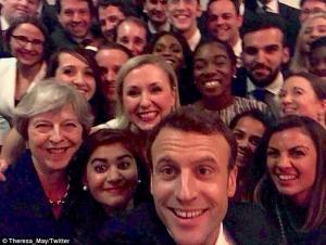 Selfie Μέι – Μακρόν με άρωμα Όσκαρ