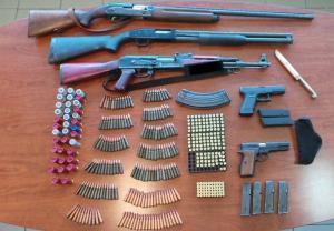 Κρήτη: Τους έπιασαν με «μίνι» οπλοστάσιο