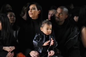 Η Kim Kardashian έγινε μαμά για τρίτη φορά!