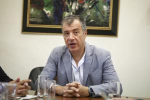 """Θεοδωράκης: Όσοι πολεμούν τη λύση υπερασπίζονται το όνομα """"Δημοκρατία της Μακεδονίας"""""""