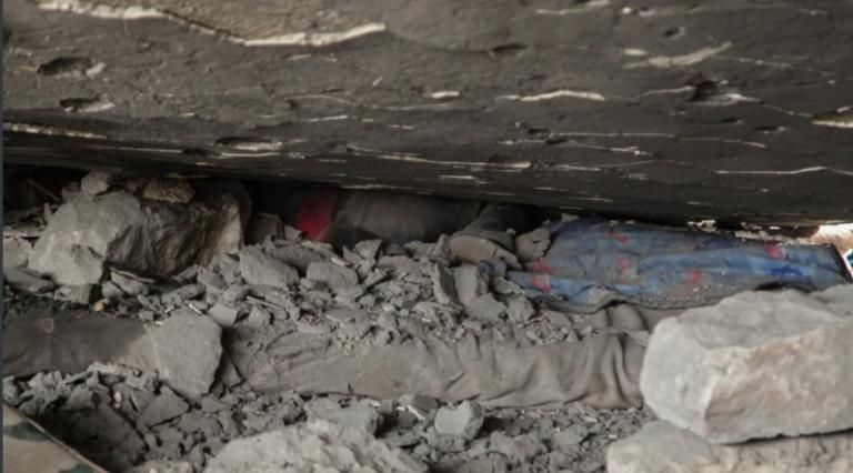 Η φρίκη του πολέμου στο Αφρίν – Νεκρά παιδιά στα συντρίμμια – Προσοχή! Σκληρές εικόνες   Newsit.gr