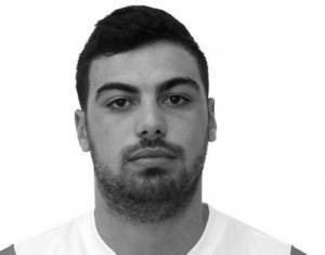 Βέροια: Καρφώθηκε σε δέντρο και σκοτώθηκε ο Άκης Ψωμιάδης – Η ατυχία στο νυχτερινό σκι που του στοίχισε τη ζωή [pics]