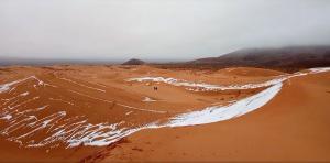 Ντόναλντ ακούς; Χιόνισε στη Σαχάρα για τρίτη φορά σε 40 χρόνια! [pics, vids]