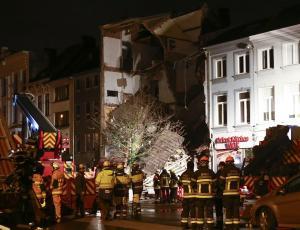 Τρόμος και τραυματίες από κατάρρευση πολυκατοικίας στην Αμβέρσα [pics, vids]