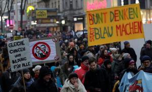 Αυστρία: Μαζικές διαδηλώσεις κατά της συγκυβέρνησης με το ακροδεξιό κόμμα [pics]