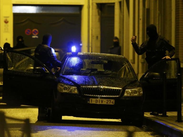Συναγερμός στον σιδηροδρομικό σταθμό της Γάνδης από άνδρα με μαχαίρι | Newsit.gr