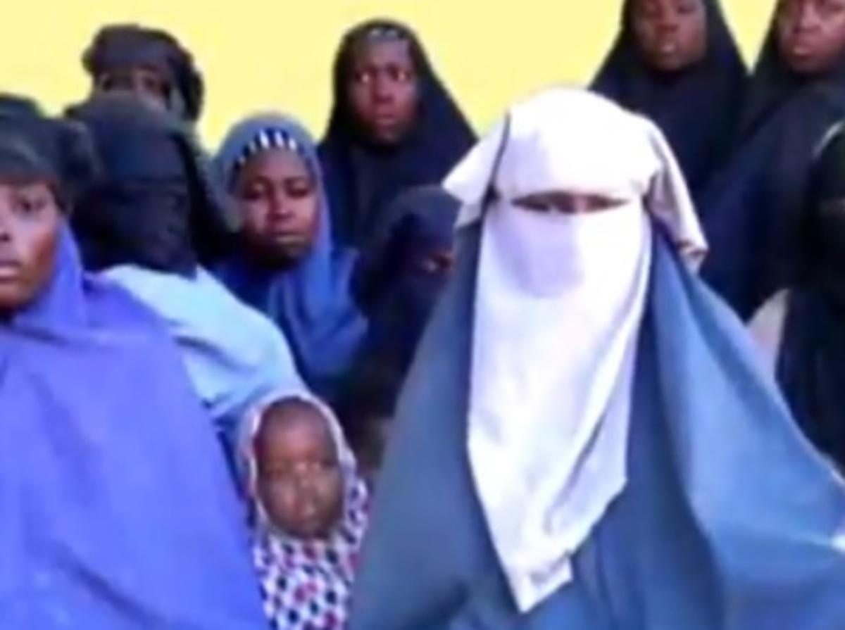Βίντεο με τα «κορίτσια του Τσιμπόκ» δημοσιοποίησε η Μπόκο Χαράμ | Newsit.gr