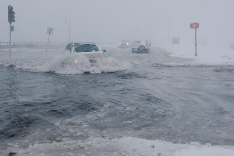 Χιονιάς… βαρύς σαρώνει Νέα Υόρκη και Βοστώνη [pics, vids] | Newsit.gr