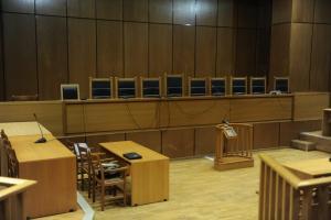 Δίκη Siemens: Οι τραπεζικοί λογαριασμοί του φυγόδικου Χρήστου Καραβέλα στο… μικροσκόπιο