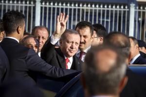 """Κομοτηνή: """"Ανεπιθύμητος ο Ερντογάν""""! Αφισοκολλητές απειλούνται με βαριά """"καμπάνα"""""""