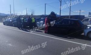 Αγρίνιο: Καραμπόλα 6 αυτοκινήτων στην εθνική οδό – Οι πρώτες εικόνες από το σημείο [pics]
