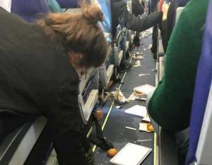 Κόλαση από τα κενά αέρος σε πτήση προς το Παρίσι [pics]