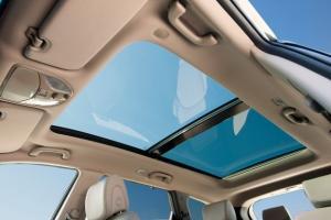 Η Hyundai λανσάρει τον πρώτο αερόσακο για αυτοκίνητα με ηλιοροφή