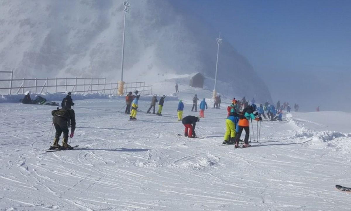 Κατάλευκες εικόνες από το χιονοδρομικό κέντρο Παρνασσού [pics] | Newsit.gr