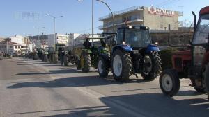 Αγρότες από την Πρέβεζα και την Άρτα έστησαν μπλόκο στον κόμβο της Καμπής [vid]