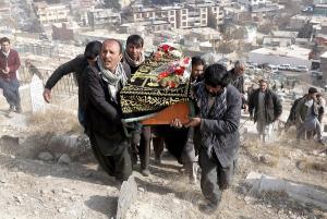 Στους 103 οι νεκροί και 235 οι τραυματίες από την επίθεση στην Καμπούλ