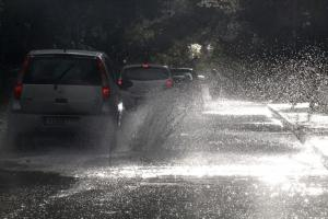 Καιρός: Πρώτο… κύμα κακοκαιρίας – Βροχές, καταιγίδες και χιόνια