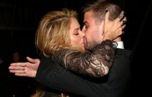 Gerard Piqué: Oι τρυφερές φωτογραφίες με την Shakira στα social media!