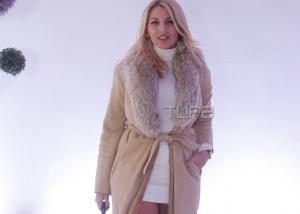 Κωνσταντίνα Σπυροπούλου: Έκλεψε τις εντυπώσεις με το καυτό της μίνι σε επίδειξη μόδας νυφικών! [pics]