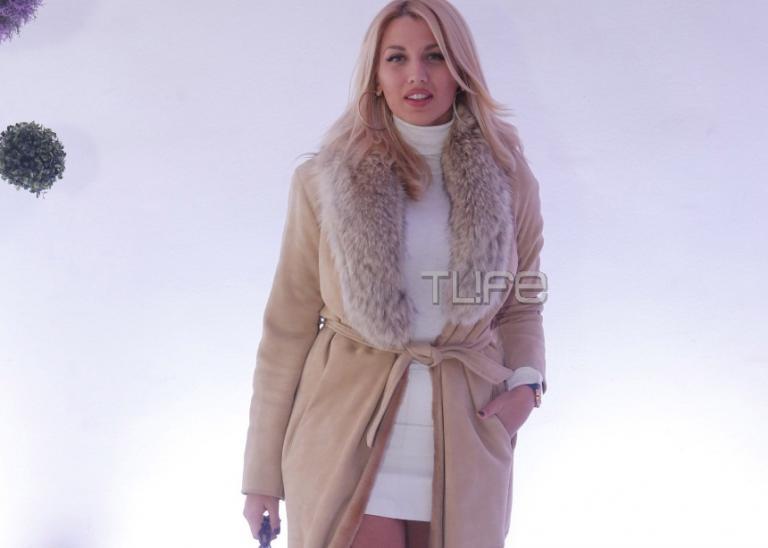 Κωνσταντίνα Σπυροπούλου: Έκλεψε τις εντυπώσεις με το καυτό της μίνι σε επίδειξη μόδας νυφικών! [pics] | Newsit.gr