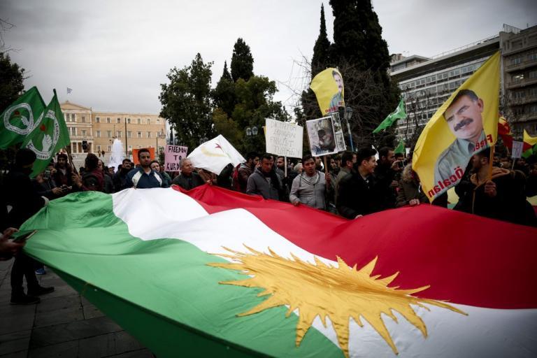 Πορεία των Κούρδων στο κέντρο της Αθήνας για την επίθεση των Τούρκων στο Αφρίν [pics]   Newsit.gr